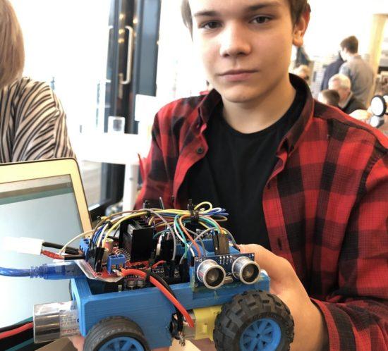Aplikovaná informatika asoutěž KyberRobot 2019