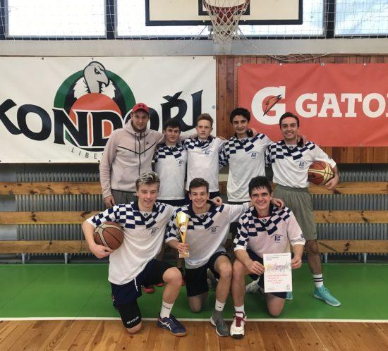 Úspěch našich basketbalistů na okresní palubovce