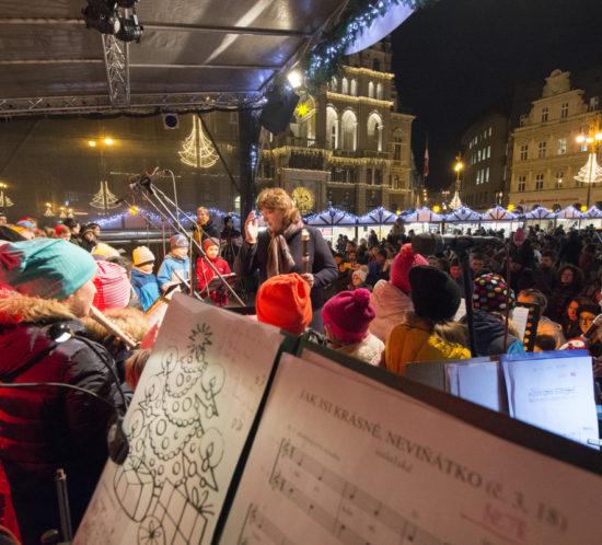 Celá Doctrina zpívá na náměstí
