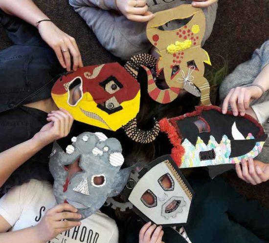 Masky studentů Sekundy